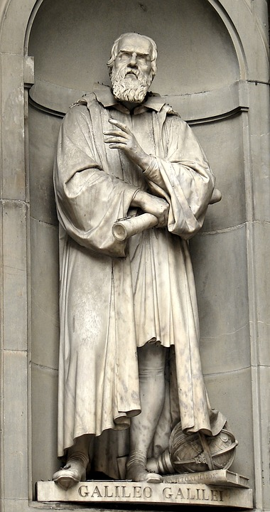 Image of a statue of Galileo Galilei.
