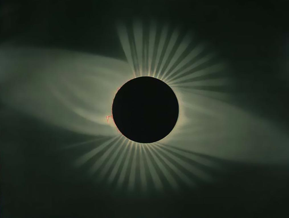 Image of a total eclipse of the sun.