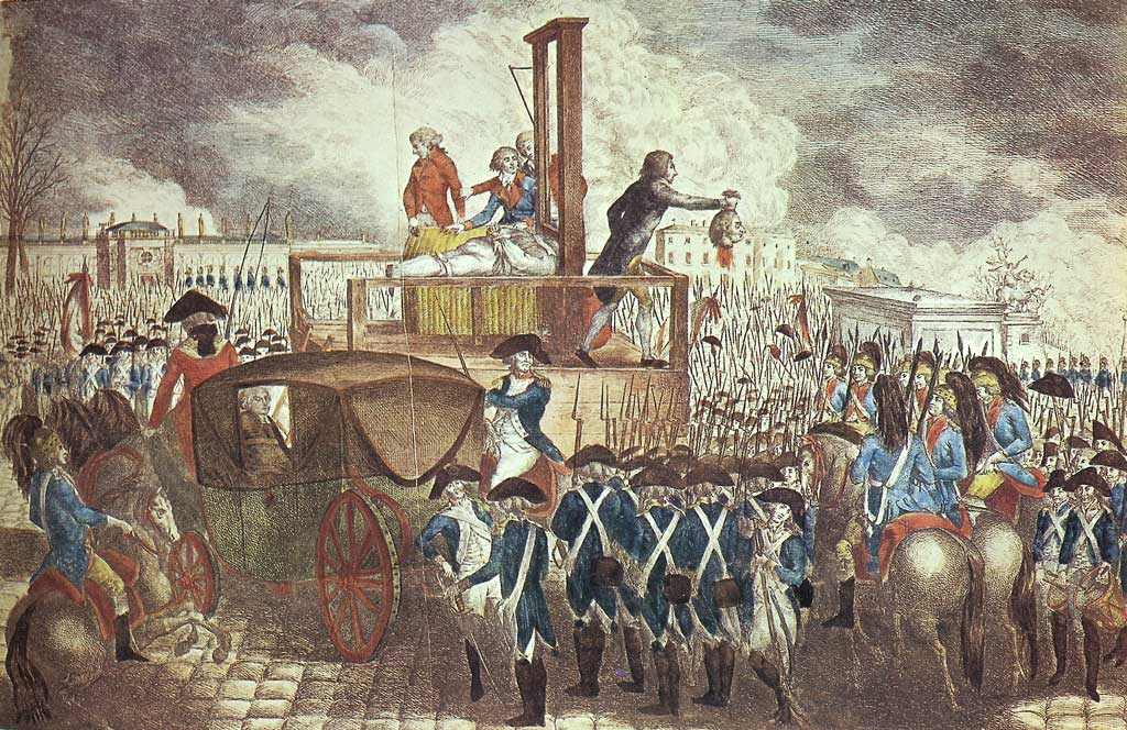 Men on a podium holding the head of Louis XVI with a crowd gathered around.