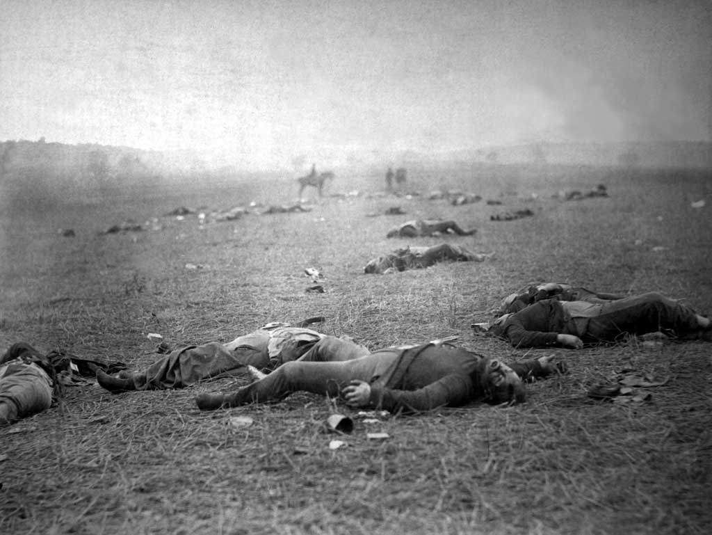 Dead Federal soldiers on the battlefield at Gettysburg