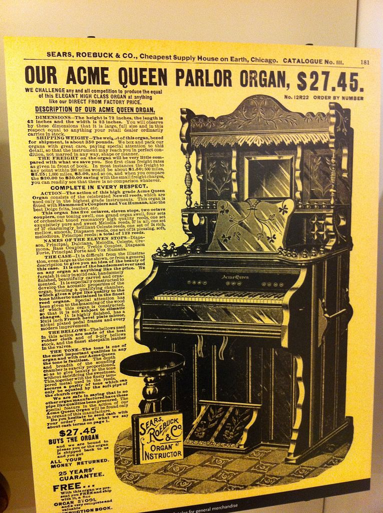 The accompanying text describes the various features of the organ: dimensions, shipping weight and details of every musical aspect. The price for the organs is listed as $27.45 with a 25 years guarantee and money back guarantee.